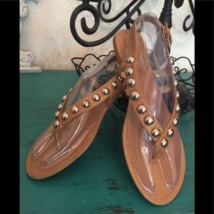 SANDALS TAN FLAT T STRAP WITH GOLD BLING  SIZE 8